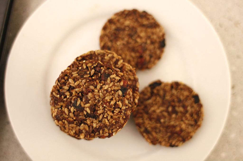 flax carob cookies1
